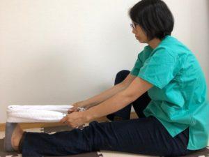 足がつるのを改善、ふくらはぎのストレッチ、