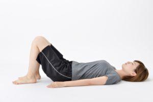 切迫早産予防、骨盤底筋を鍛える姿勢
