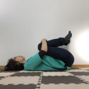 腰の寝ながらできるストレッチ