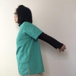 肩の前のストレッチ